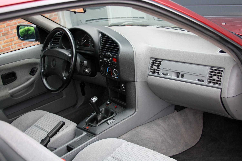 bmw 318is e36 coup 1st owner 1 dealer kopen bij nf automotive. Black Bedroom Furniture Sets. Home Design Ideas