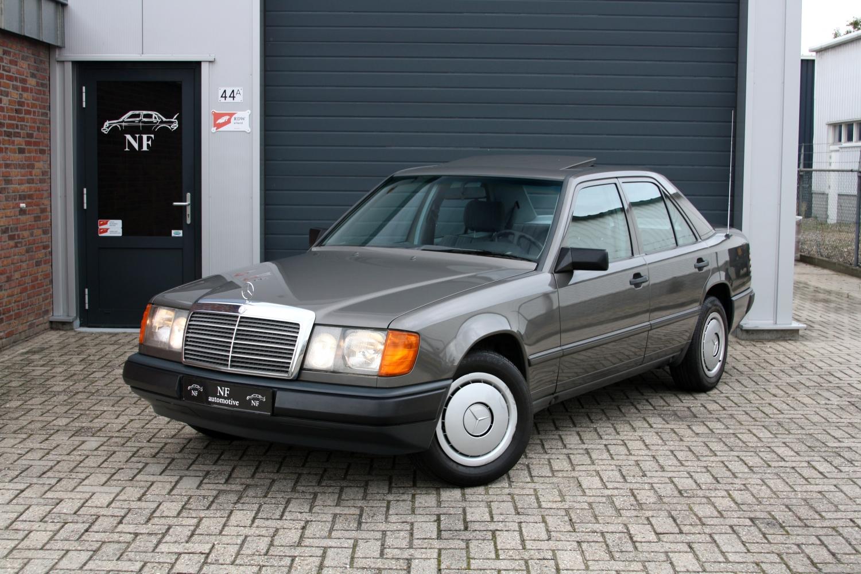 Mercedes benz 230e fuel consumption for Mercedes benz 230